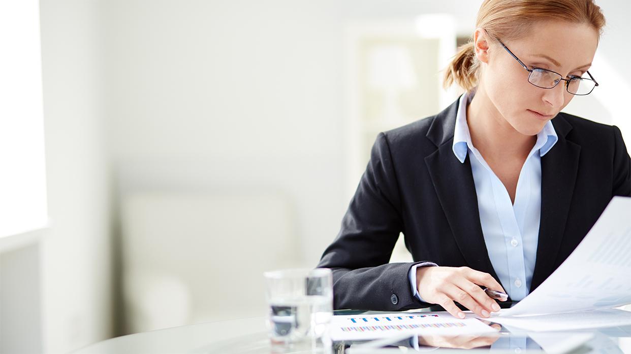 Как выглядеть подобающим образом в офисе (для женщин)