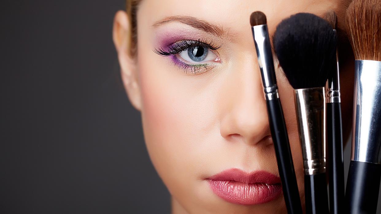 Используем поназначению кисти для макияжа