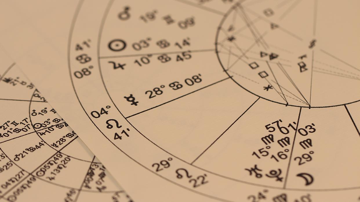 Женский гороскоп: чем привлекателен ваш знак зодиака для мужчин